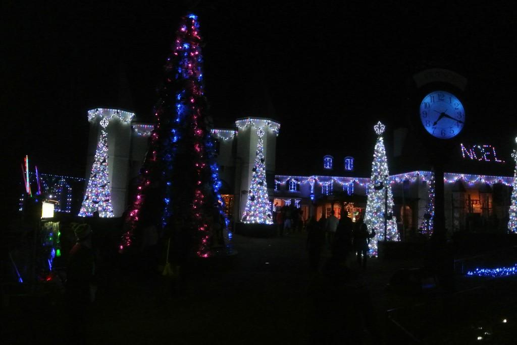 Busch_Gardens_Christmas_Town_lights