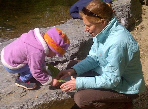 Washington Waldorf School Outdoor Sun Garden Program Finding Leaf