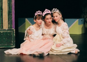 2007_dancing_princesses_807-300x214