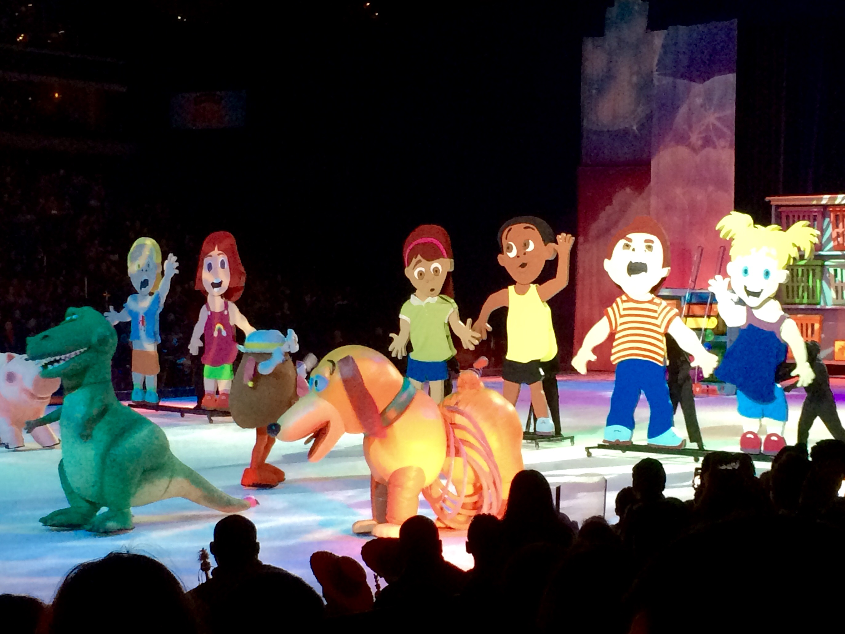 Review Disney On Ice Presents Worlds Of Fantasy The Dc Moms