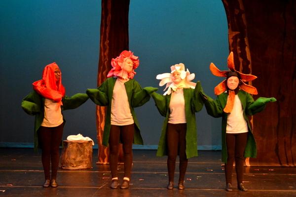 Alice in Wonderland Encore Stage and Studio flowers
